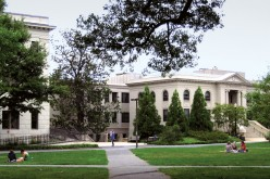 Come sono strutturati i corsi della laurea privata in college?